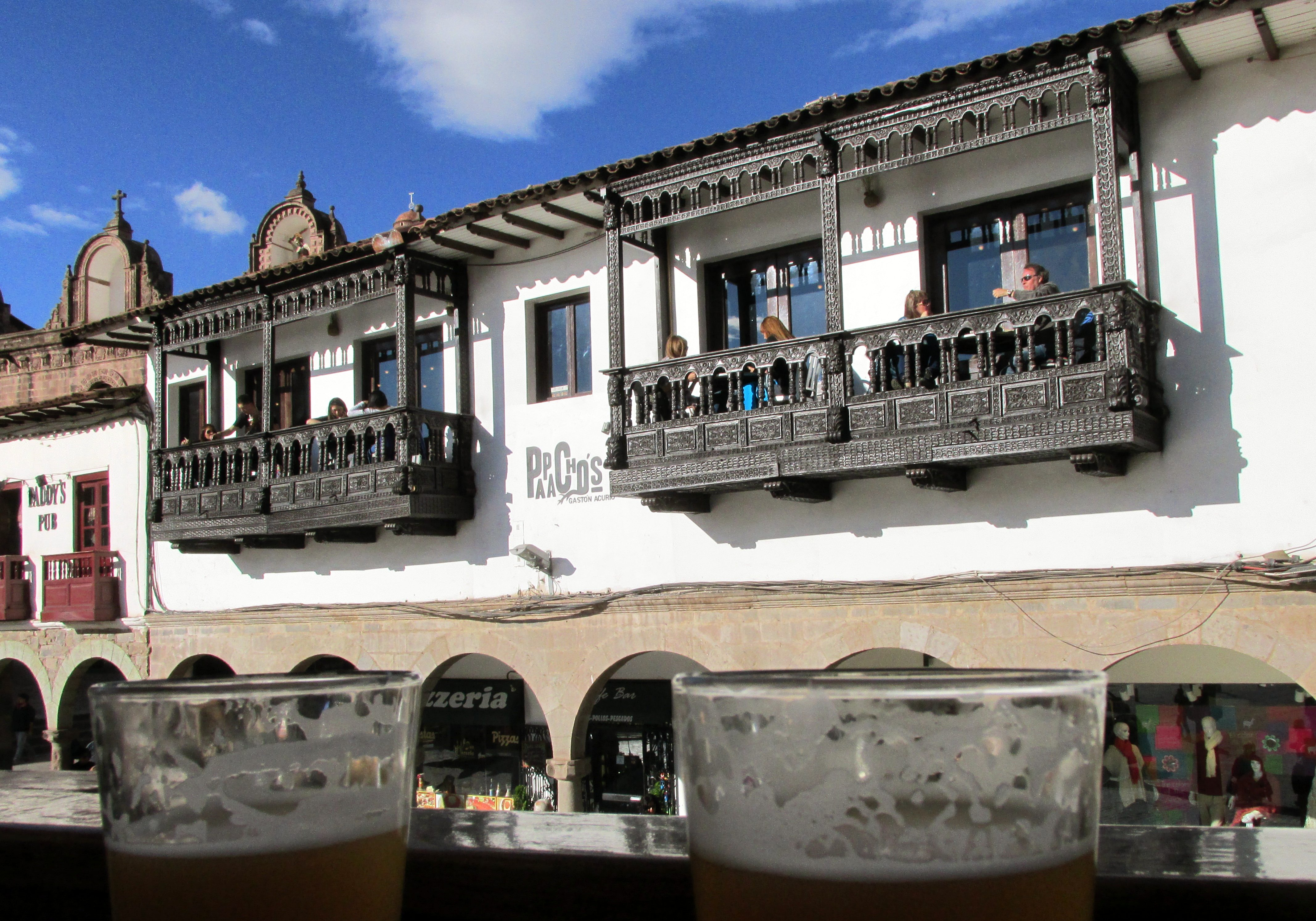 Bars in Cusco travel guide